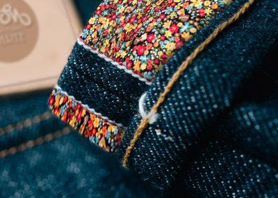 Fiori Multicolor Fondo Nero
